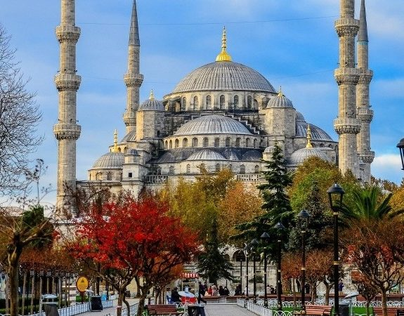 You can visit inside of the Blue Mosque with our Istanbul package tours.