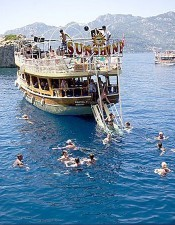 Marmaris boat trip is one of the best tour in the Marmaris. Everyone should book this tour once in a life.