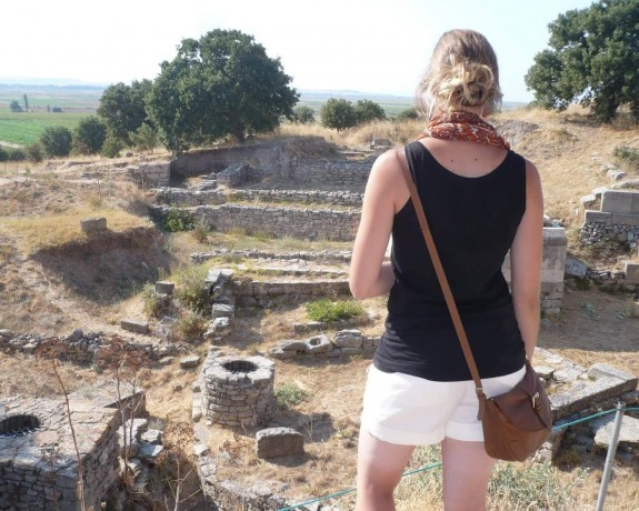 You will have an amazing journey that goes to Troy Ancient City with the Gallipoli and Troy tours.